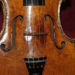 Holding image of violin2