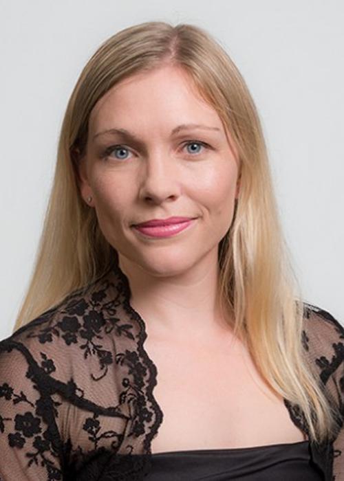 Julia Joyce, viola