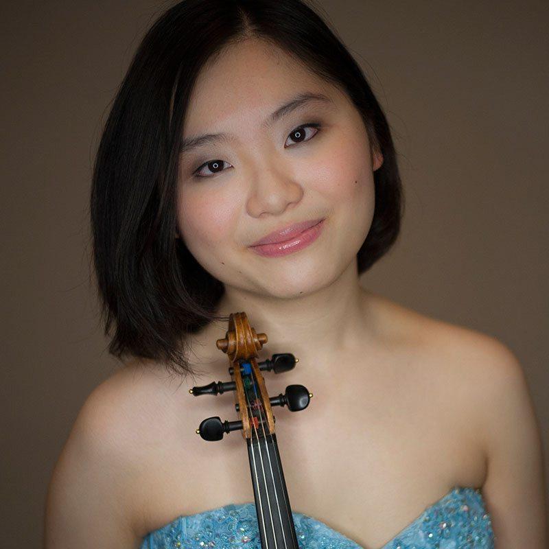 Momoko Wong (Japan/USA)